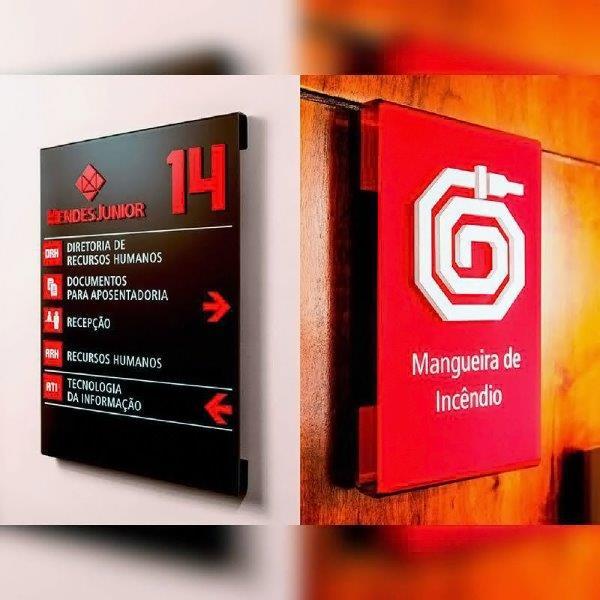 Placa de sinalização empresarial