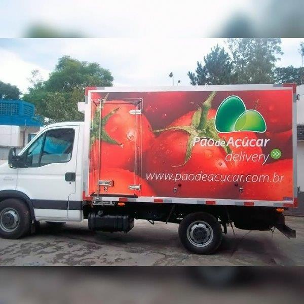 Adesivação de caminhão