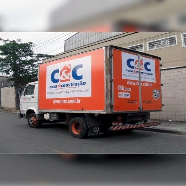 Plotagem de caminhão